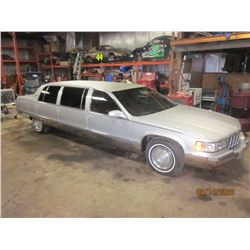 RESERVE IS LIFTED! SELLING TO THE HIGHEST BIDDER! 1995 CADILLAC FLEETWOOD SUPERIOR LIMO