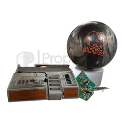 Jumanji Welcome to the Jungle Destroyed Game Console & Bowling Ball