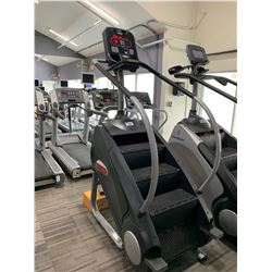 STAR TRAC ESM COMMERCIAL STAIR CLIMBING MACHINE