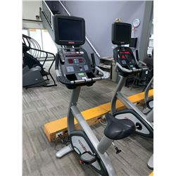 STAR TRAC FITLINXX COMMERCIAL UPRIGHT EXERCISE BIKE WITH USB, RCA, AUXILIARY JACK & CONTROLLED