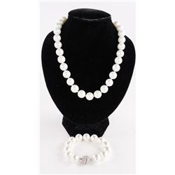 MYOTO - Pearl Necklace and Bracelet Set with Swaro