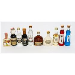 Lot (10) Mini Bar Battles Original - Collection301