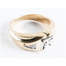 Estate 10kt Gold Diamond Ring. Size 6