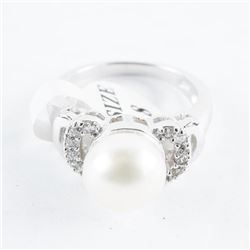 925 Silver, Pearl and Swarovski Elements Ring.