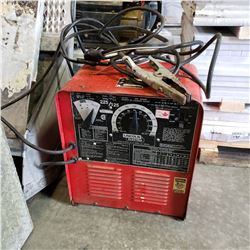 LINCOLN ELECTRIC 225/125 ARC WELDER