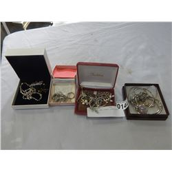 LOT OF 925 AND OTHER JEWELLERY