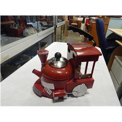 RED ENGINE 613 TEA KETTLE