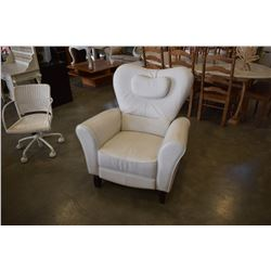 DUTAILIER WHITE LEATHER RECLINER