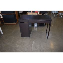 BLACK SINGLE PEDASTEL DESK WITH GAS LIFT OFFICE CHAIR