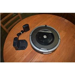 IROBOT 870 ROOMBA W/ BASE AND SENSOR