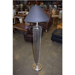 DEECORATIVE METAL FLOOR LAMP
