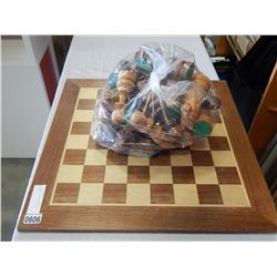 OVERSIZED CHESS BOARD AND PIECES