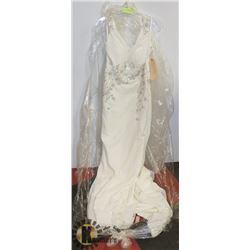 WEDDING DRESS SIZE 8 TAGS ON