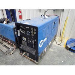 MILLER Big Blue Air Pack Welding Equipment