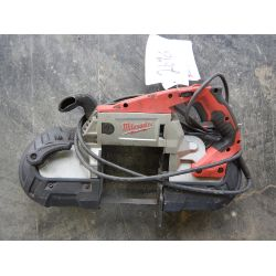 MILWAUKEE DEEP CUT PORTABLE BAND SAW Tool