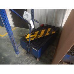 OIL DRAIN CART Shop Equipment