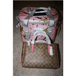 Ladie's Pink Camo Cooler package