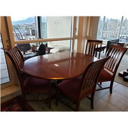 Dining Room Table & 4 Chairs C