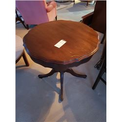 Clasic Style Wood Occasional Table with 1 drawer C