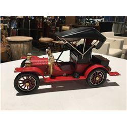 """METAL ORNAMENTAL 1920 CAR 13.5"""" X 7.5"""""""