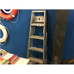 ALUMINIUM 5-STEP STEP LADDER
