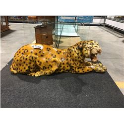 LIFE SIZED REPLICA OF A CHEETAH - MISSING ONE TOE