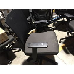 GROUP OF 4 SECRETARY ADJUSTABLE OFFICE CHAIRS