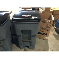BRUTE RUBBERMAID COMMERCIAL WHEELED GARBAGE BIN - A
