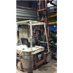 Nissan Electric Fork Lift 2500lbs (electric condition) pick up Terrebonne