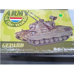 Heller Humbrol Model - Army of the World Tank vintage Sealed in Package