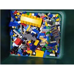 Assortment of Legos & Lego People