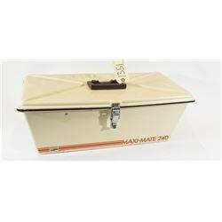 Maxi-Mate 240 Fishing Tackle Box