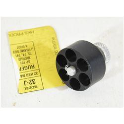 One 32H&R Mag HKs Mod 32-J Speed Loader