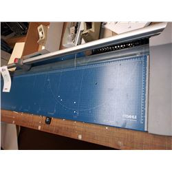 DAHLE PREMIUM ROLLING TRIMMER / APPROX. $1,500.00 NEW