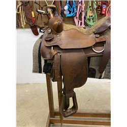 HEREFORD  TEX TAN BRAND HAND TOOLED ROPING  SADDLE