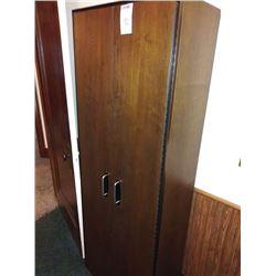2 DOOR METAL CUPBOARD