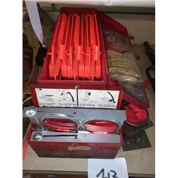 HIGHWAY SAFETY REFLECTOR KIT IN METAL CASE
