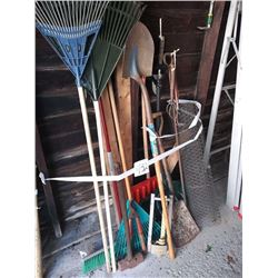 LOT OF GARDENING TOOLS