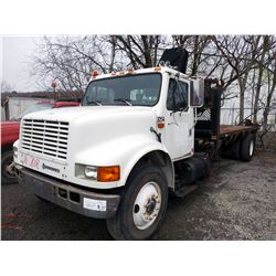 INTL 4900 DAY CAB W KNUCKLE BOOM