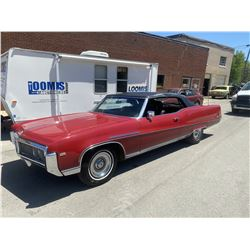 CLASSIC VINTAGE BUICK ELECTRA 225