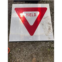 48 x 48 Yield Sign