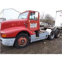 INTL DAY CAB TWIN SCREW YARD SEMI TRACTOR
