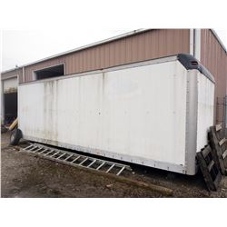 STRAIGHT TRUCK VAN BOX / GOOD CONDITION