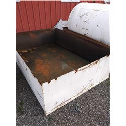 STEEL DYKE BOX
