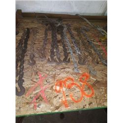 ASSORTMENT OF HEAVY DUTY CHAIN AND HOOKS