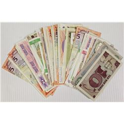 300 PCS. WORLDWIDE BANK NOTES