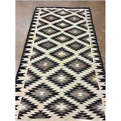 Large Eye Dazzler Diamond Pattern Navajo Rug