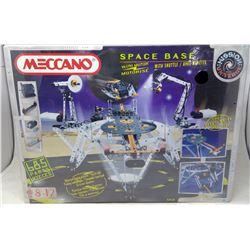 Meccano Space Base