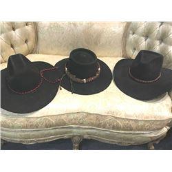 20TMO-153 LOT OF HATS
