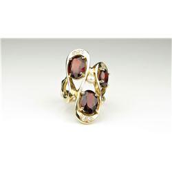 20CAI-34 RED GARNET, DIAMOND & PEARL RING